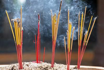 Apa Efek Membakar Dupa Cina Pada Rumah Walet ?