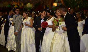 Abertas vagas restantes para casamento coletivo