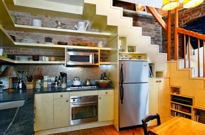 Memanfaatkan Ruang Di Bawah Tangga Rumah Anda 100 Rumah Minimalis