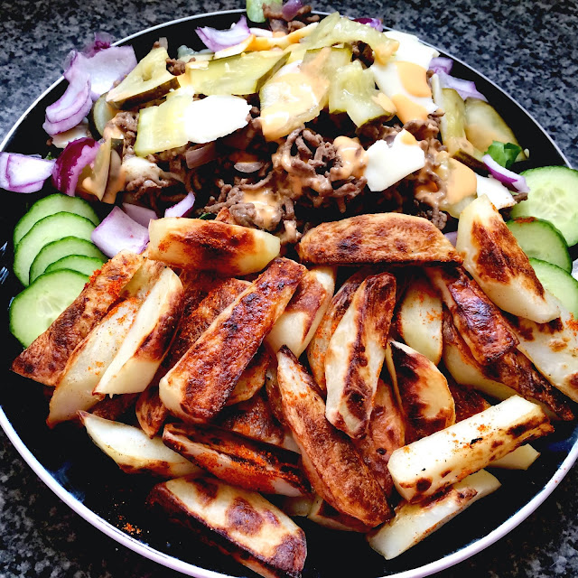 healthy chips, salad, mince and gherkins with thousand island sauce