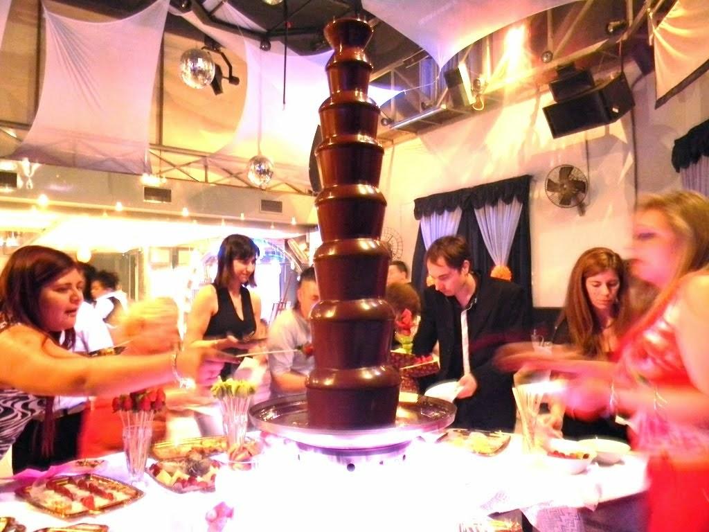 royal cascada de chocolate 8 pisos