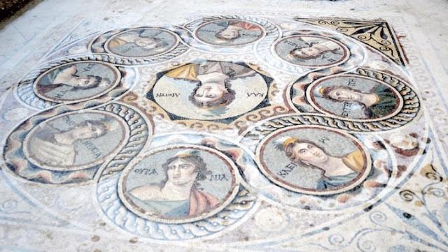 Зная, что город скоро затопит полностью, команда археологов под руководством профессора Куталмис Горкай удвоила усилия по раскопкам, чтобы успеть спасти древние реликвии. археология, история, мозаика