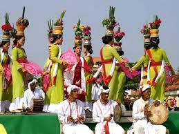 Lễ Hội thường mang ý nghĩa gì?