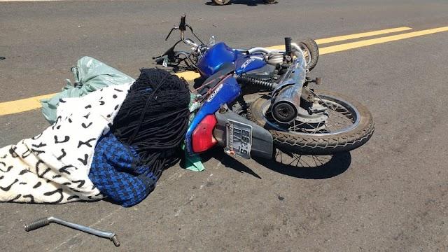 Colisão entre carro e moto na BR-343 provoca morte de vendedor de redes. Veja fotos
