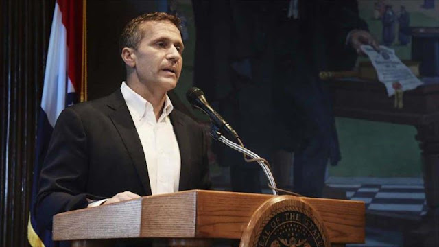 Gobernador republicano de Misuri renuncia por escándalo sexual