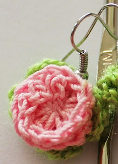 http://www.redheart.com/free-patterns/rosebud-earrings