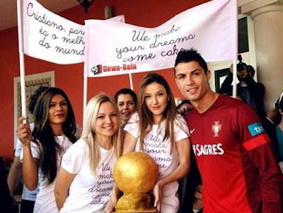 cristiano-ronaldo-dan-gadis bola-real madrid