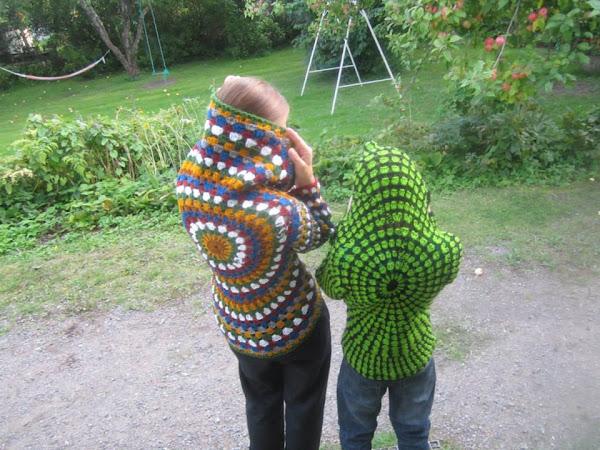 Virkatut pyörötakit - Crocheted circle jackets