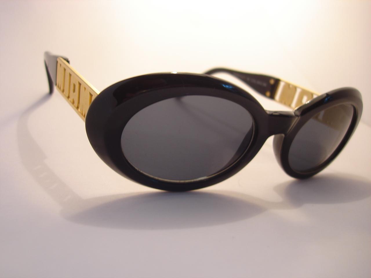 b42b4151487 Vintage Gianni Versace Sunglasses Replica