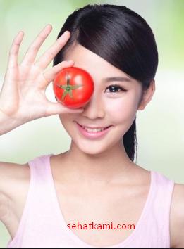 cara mengatasi wajah berminyak dengan masker tomat
