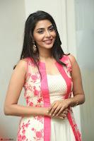 Aishwarya Lekshmi looks stunning in sleeveless deep neck gown with transparent Ethnic jacket ~  Exclusive Celebrities Galleries 077.JPG
