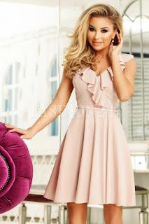 Rochie de seara in nuante de roz pudra, cu fusta in clos
