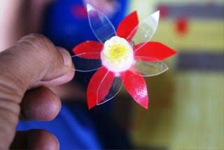 Gambar Bunga Dari Botol plastik Bekas