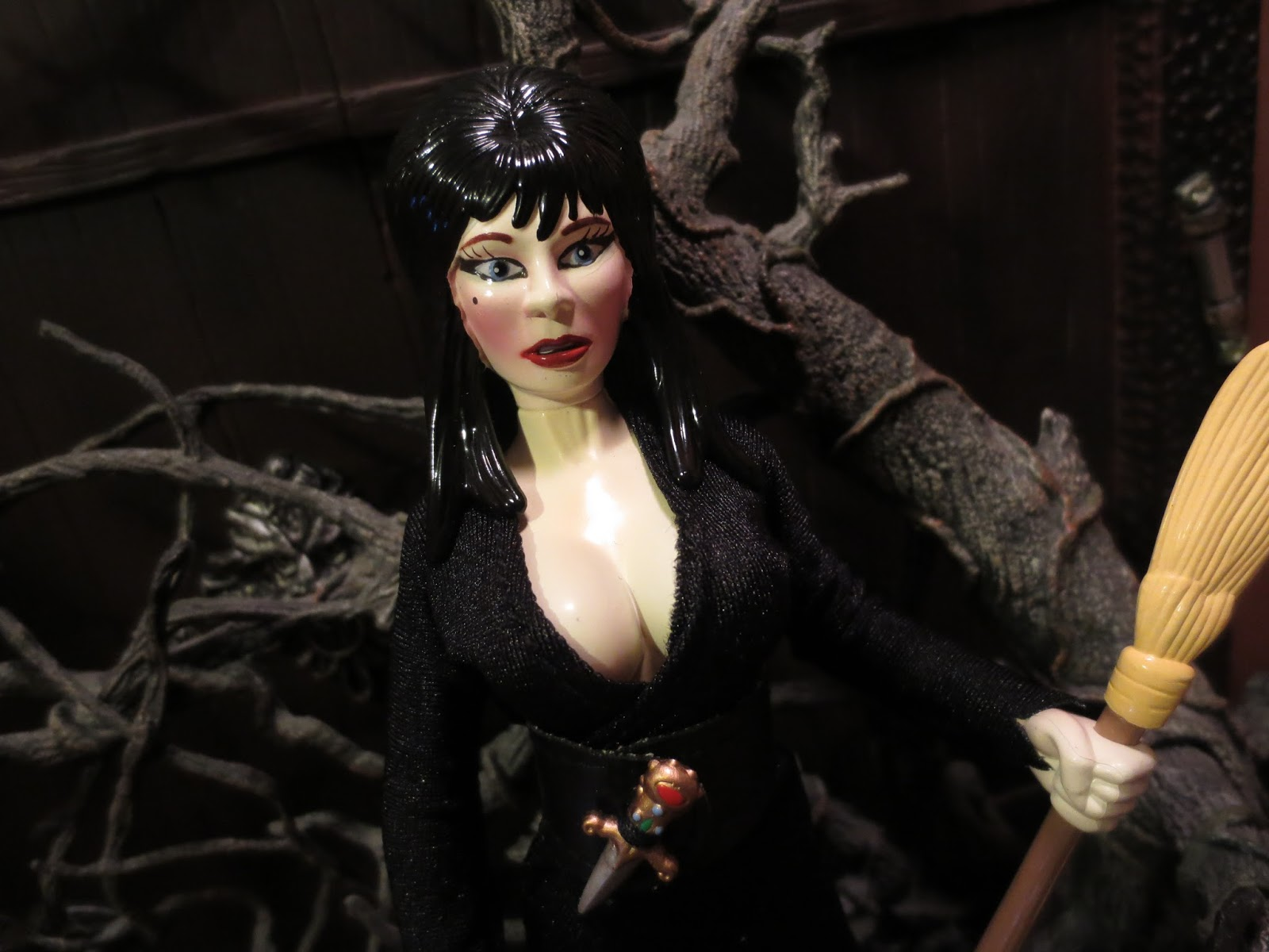 Action Figure Barbecue Re Halloween Special Elvira Witch