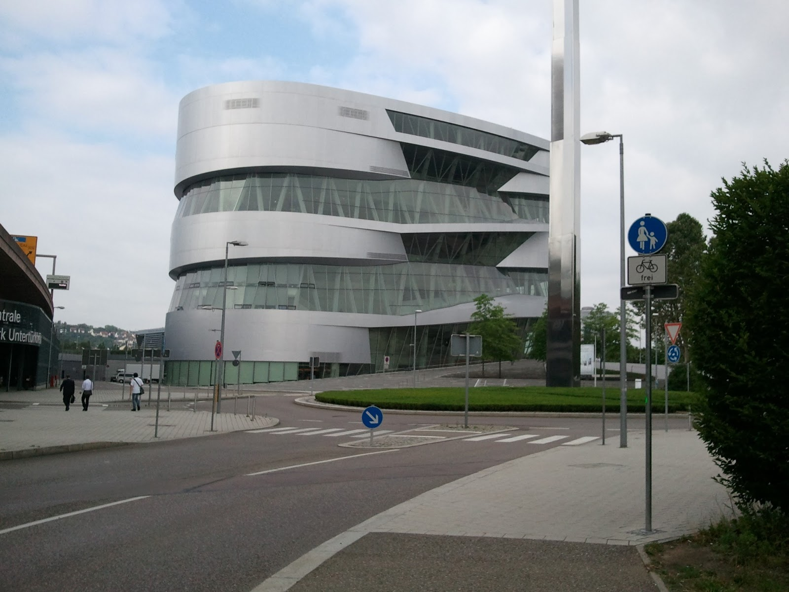 365 jours avec mon pass mus es mercedes benz museum stuttgart allemagne. Black Bedroom Furniture Sets. Home Design Ideas