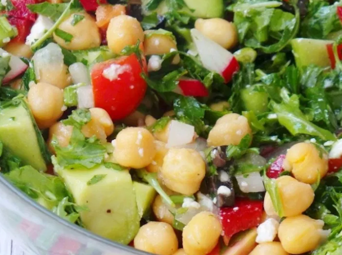 The Best Avocado Chickpea Salad for Summer #healthyfood #dietketo