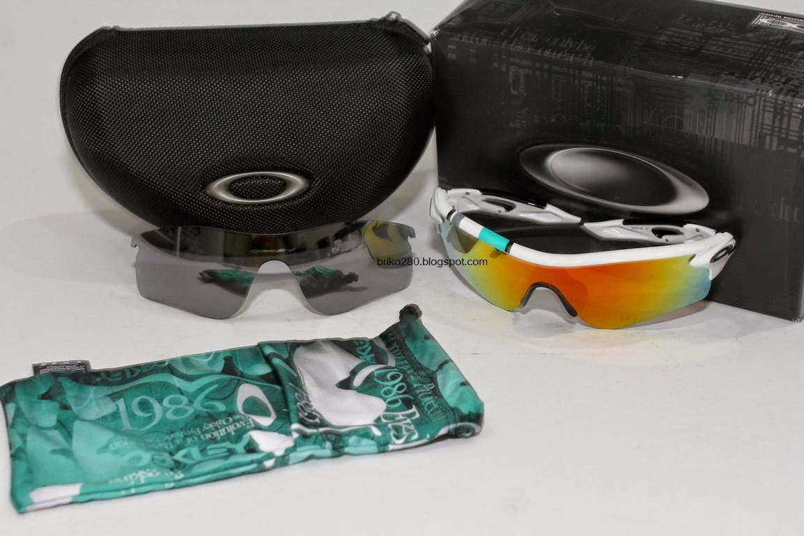 cbbbce7f56 ... cheap oakley radarlock path 30 years sport special edition polished  white frame with fire iridium black ...
