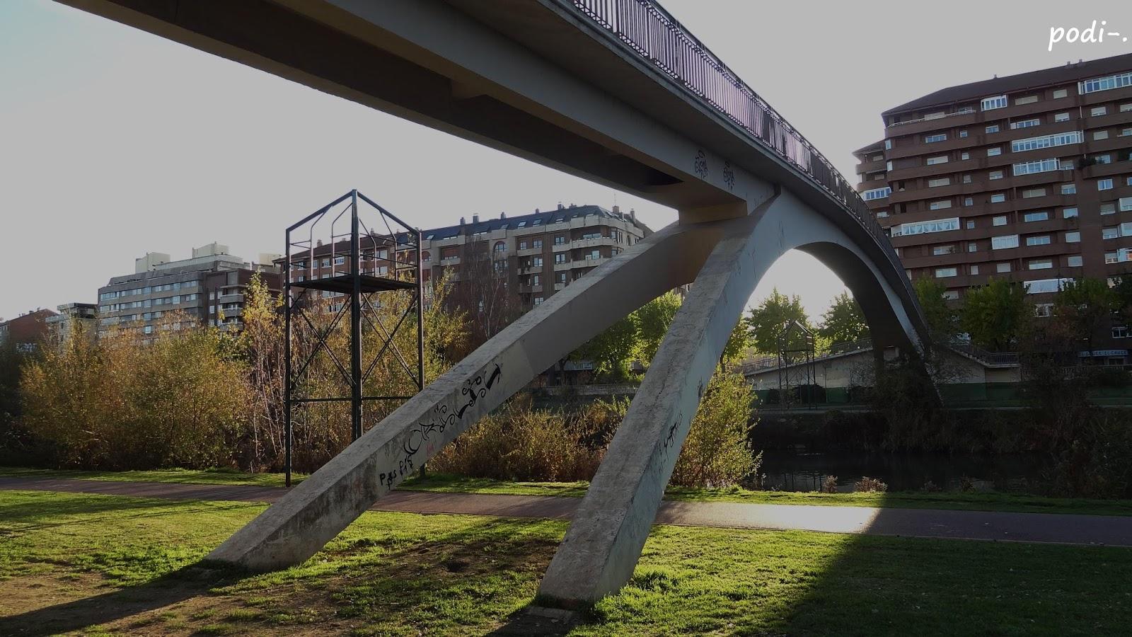 Río Bernesga, puente, León