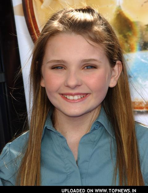 See Cute Childhood Pics of Abigail Breslin