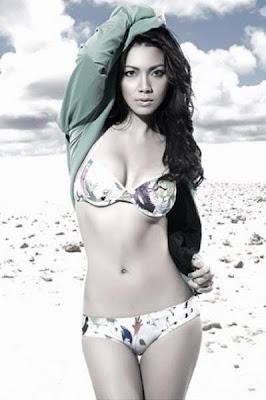 angeles bikini pics Regine