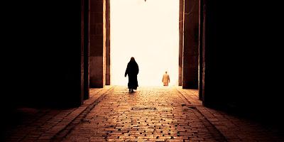 Setiap Kita Berada Di Depan Gerbang Kematian