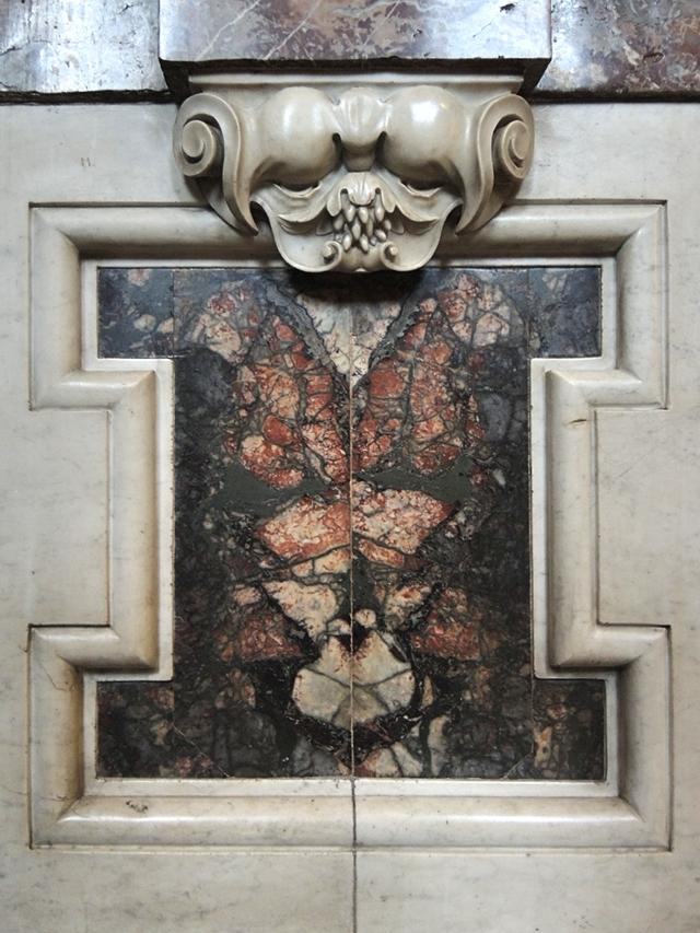 Antwerpen: De Carolus Borromeuskerk op het Hendrik Conscienceplein