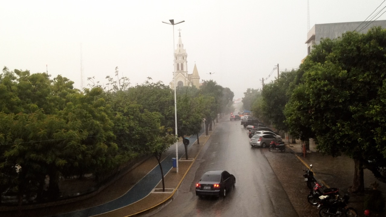 Resultado de imagem para imagem de chuva região do pajeu