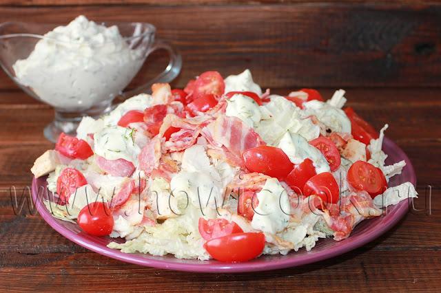 рецепт салата с курицей, беконом и пекинской капустой