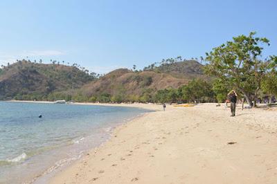 Pasir Putih Dan Bersih,Pantai Wae Cicu Wajib Anda Kunjungi