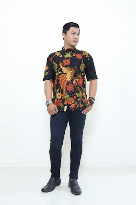 Foto baju batik di Batikdlidir