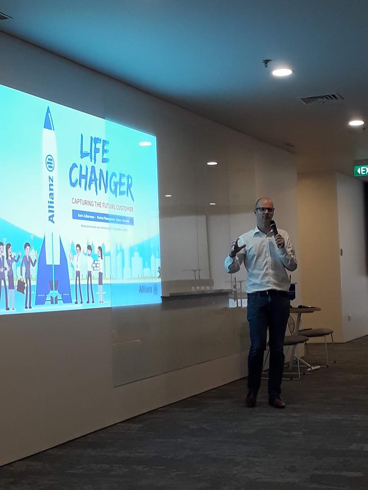 Mtr Joos Louwerier Country Manager & Presiden Direktur Alianz Life Indonesia