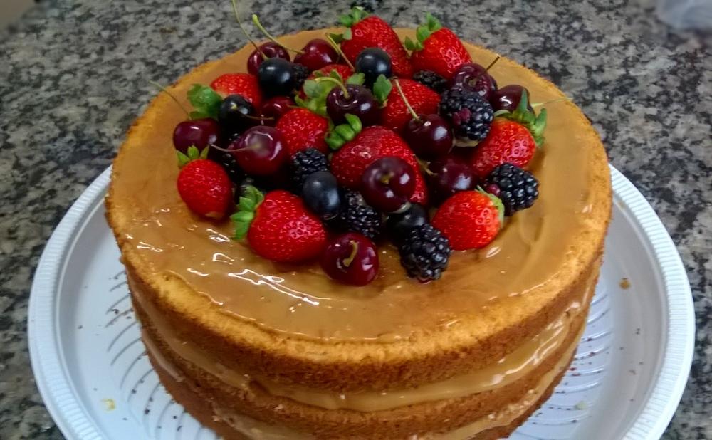 Doce De Leite Cake
