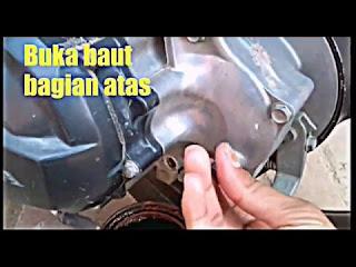 Jarak Mengganti Oli Gardan M3 Cara Ganti Oli Transmisi atau Gardan Motor Matic