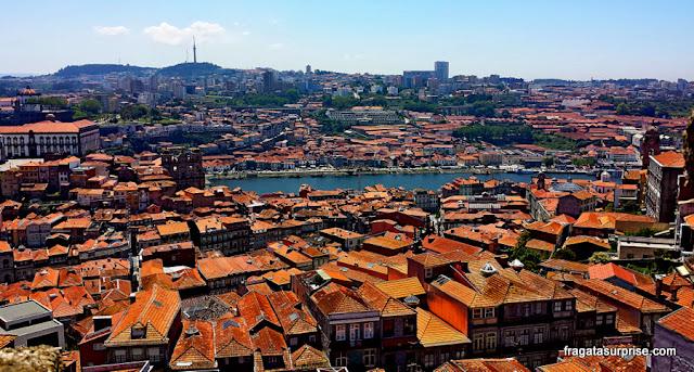 Porto e Vila Nova de Gaia vistos do topo da Torre dos Clérigos - Portugal