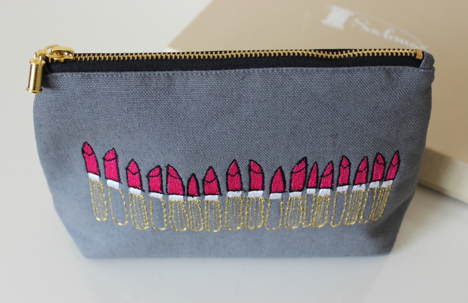 A picture of the Sewlomax Twilight Lipstick Pouch