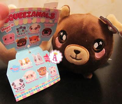Вкладыш с коллекцией игрушек Squeezamals