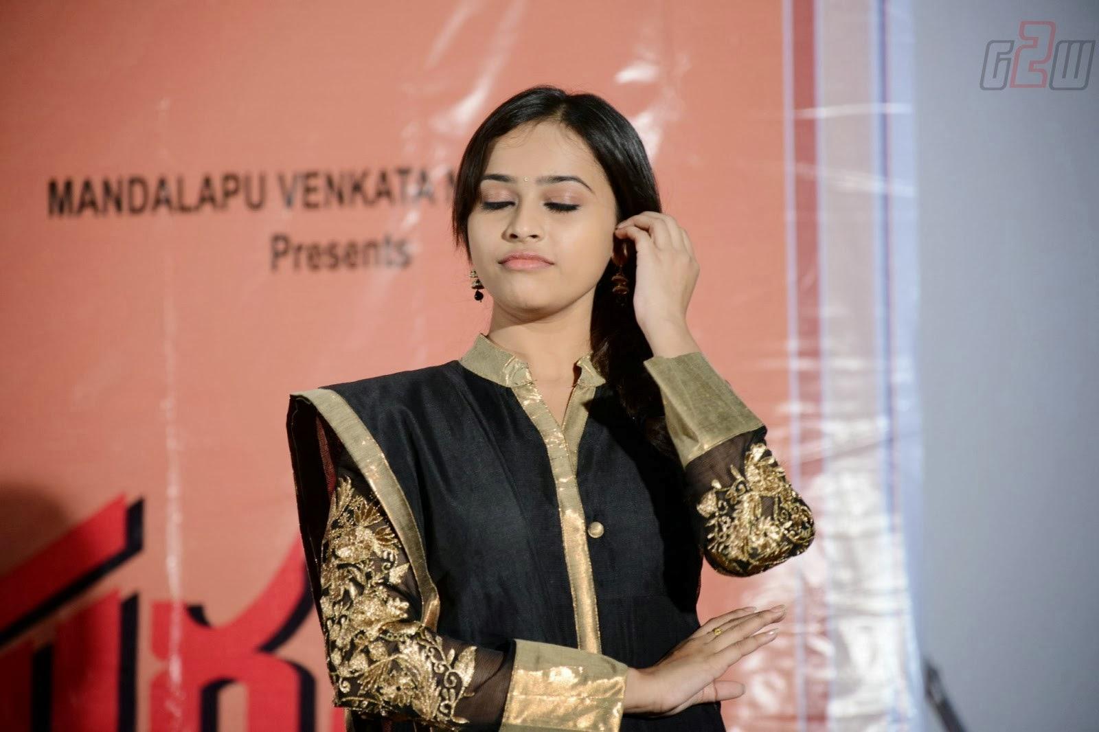 South Actress Hot Pics South Actress Sri Divya Latest -6981