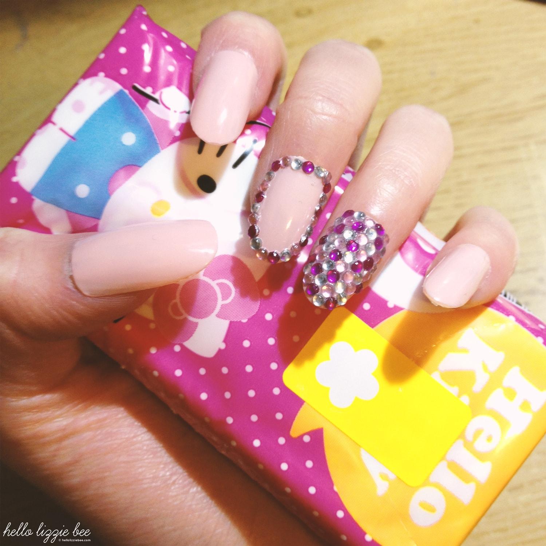 pink sparkly gyaru nails