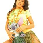 Andrea Rincon, Selena Spice Galeria 13: Hawaiana Camiseta Amarilla Foto 46