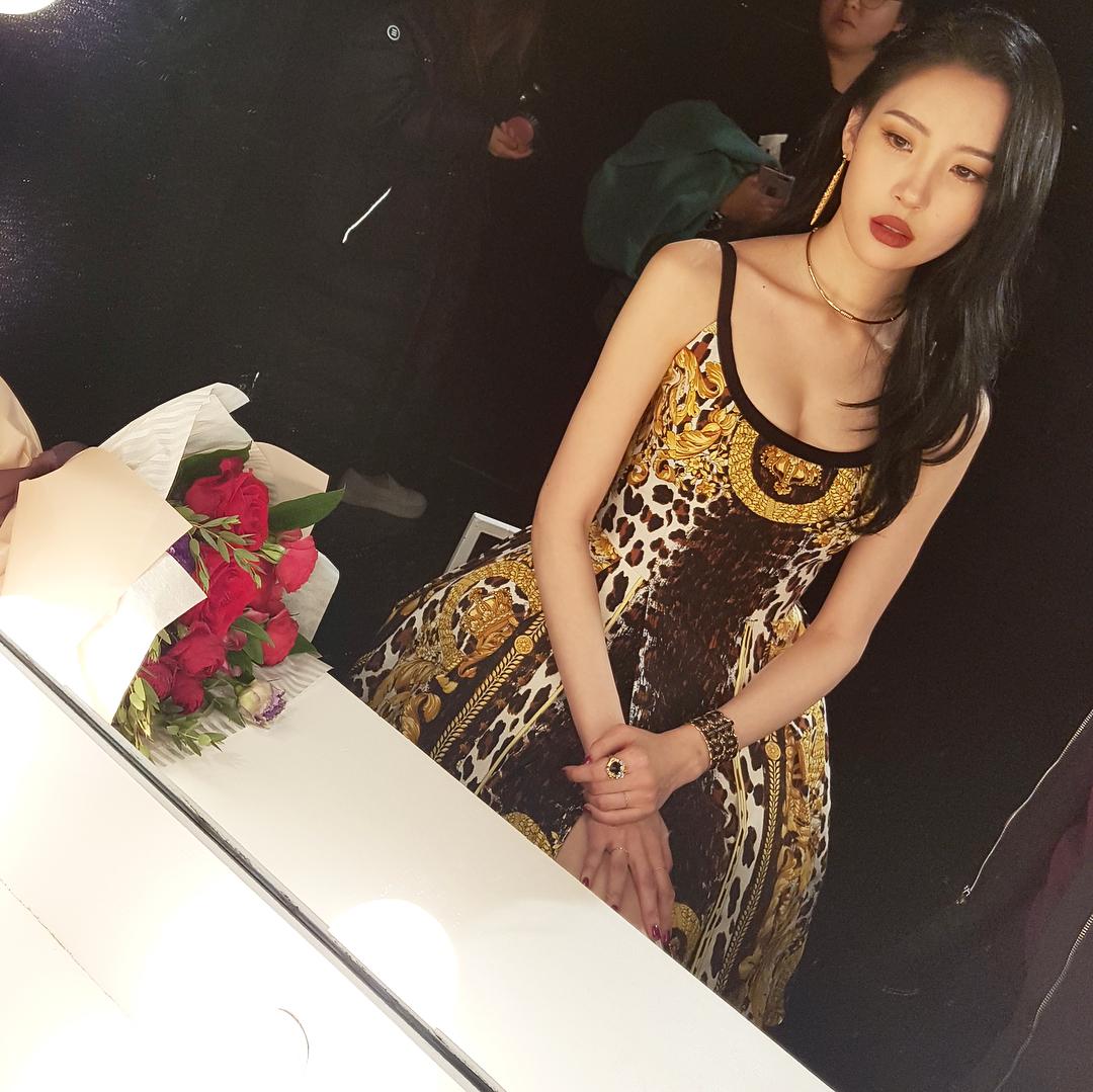 Sunmi Is Prettier Than Flowers In New Photos Culturekorean Store