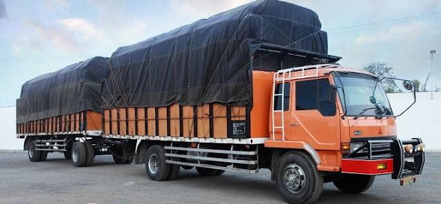 truk besar gandeng panjang di indonesia