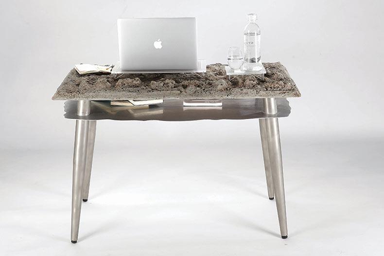 Moderno escritorio conecta a los visitantes urbanos con la naturaleza