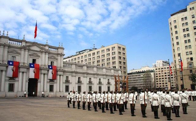 Passeio gratuito pelo Palácio de La Moneda