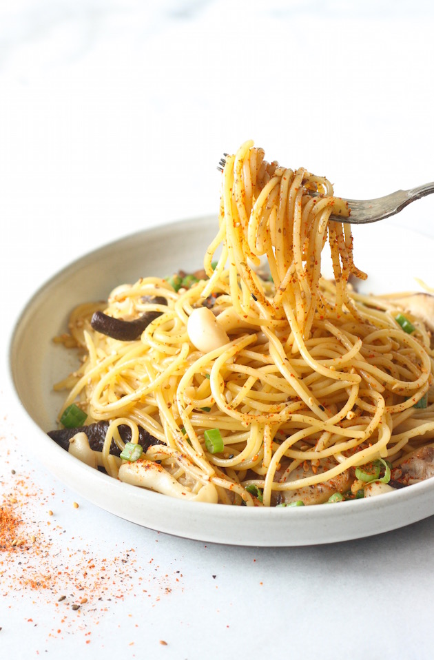 Japanese Pasta with Shiitake Mushrooms recipe by SeasonWithSpice.com