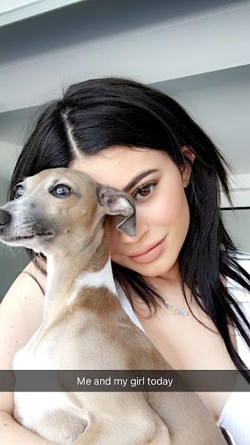Kylie Jenner – Snapchat Pics