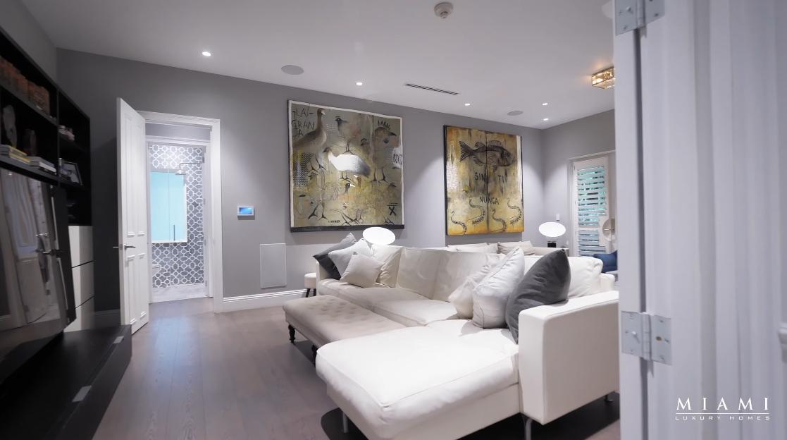 53 Interior Design Photos vs. 4100 Kiaora St, Miami Luxury Mansion Tour