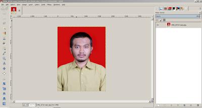 Jendela GIMP untuk mengedit background Pas Foto