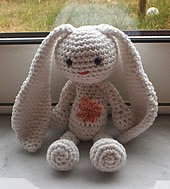 http://www.ravelry.com/patterns/library/lapin-douceur