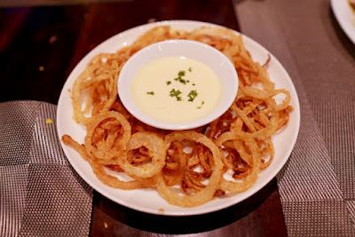 A mound of Onion Rings