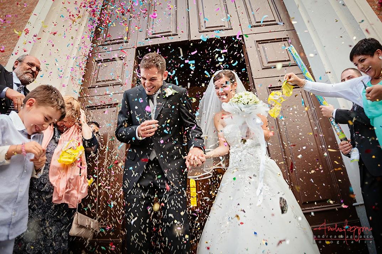 uscita sposi e coriandoli matrimonio Alessandria